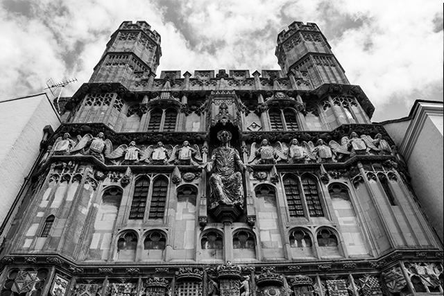 VOYAGE-Canterbury-façade-cathedrale